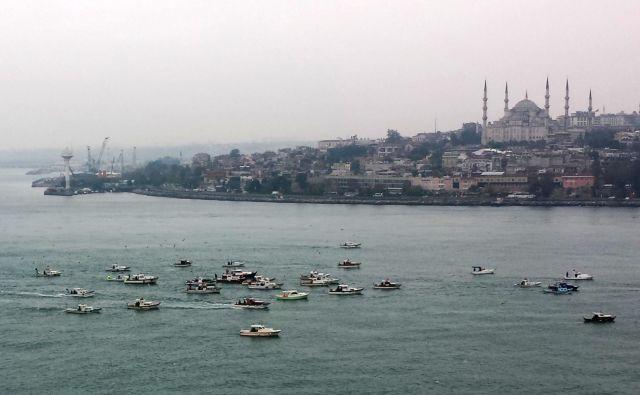 Istanbul je privlačen, ampak ne v času pandemije, ko ni jasno, kakšna bo vrnitev. FOTO: Tadej Regent/Delo