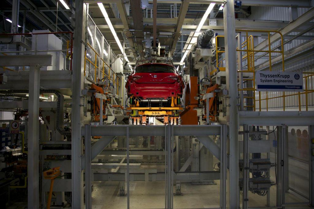 Zaustavljanje avtomobilskih tovarn v Evropi, tudi Revoza