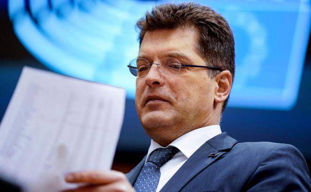 Evropski komisar <strong>Janez Lenarčič </strong>pravi, da imajo v Bruslju več želez v ognju. FOTO: Kenzo Tribouillard/AFP