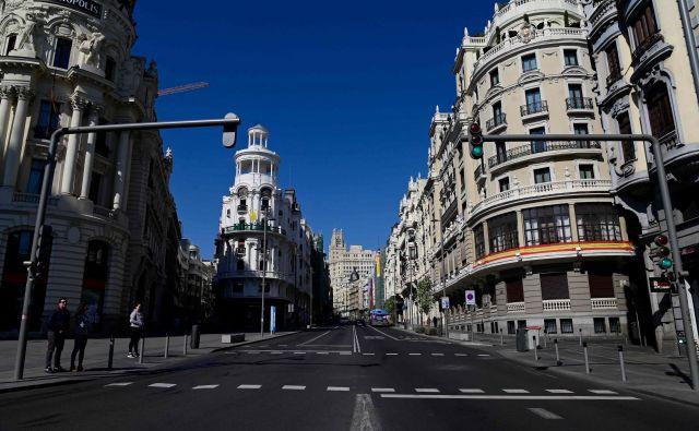 Tudi v Madridu je ugasnilo javno življenje.<br /> Foto: AFP