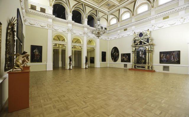 Googlovi zemljevidi omogočajo sprehod skozi najreprezentančnejše dvorane Narodne galerije. FOTO: Jože Suhadolnik/Delo