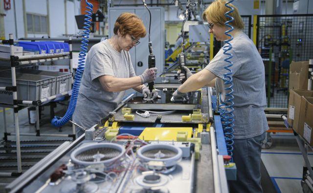 V Gorenju Hisense bodo danes zmanjšali obseg proizvodnje v programih pomivalnih, pralnih in sušilnih aparatov. Foto Jože Suhadolnik