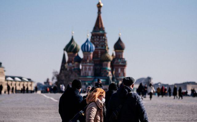 Danes popoldne so v Rusiji našteli šele 114 okuženih, a to je 22 odstotkov več kot dan poprej.Foto: Dimitar Dilkoff/Afp