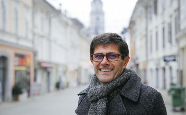 Matjaž Rakovec je prepričan o lepem SP aprila 2021, ponosen pa je tudi na Kranj, kako dobro in hitro je mesto ukrepalo ob grožnji virusa. FOTO: Jože Suhadolnik/Delo
