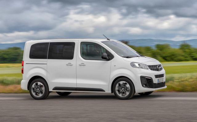Opel zafira life je bil na prelomu leta eden redkih novih enoprostorcev. Drugega letos na to temo ne bo.<br /> Foto Opel