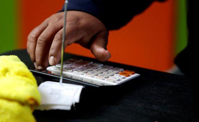 Kako bi v sedanjih kaotičnih okoliščinah v svetovnem gospodarstvu prišel prav gumb za ponastavitev sistemov!<br /> FOTO: Reuters