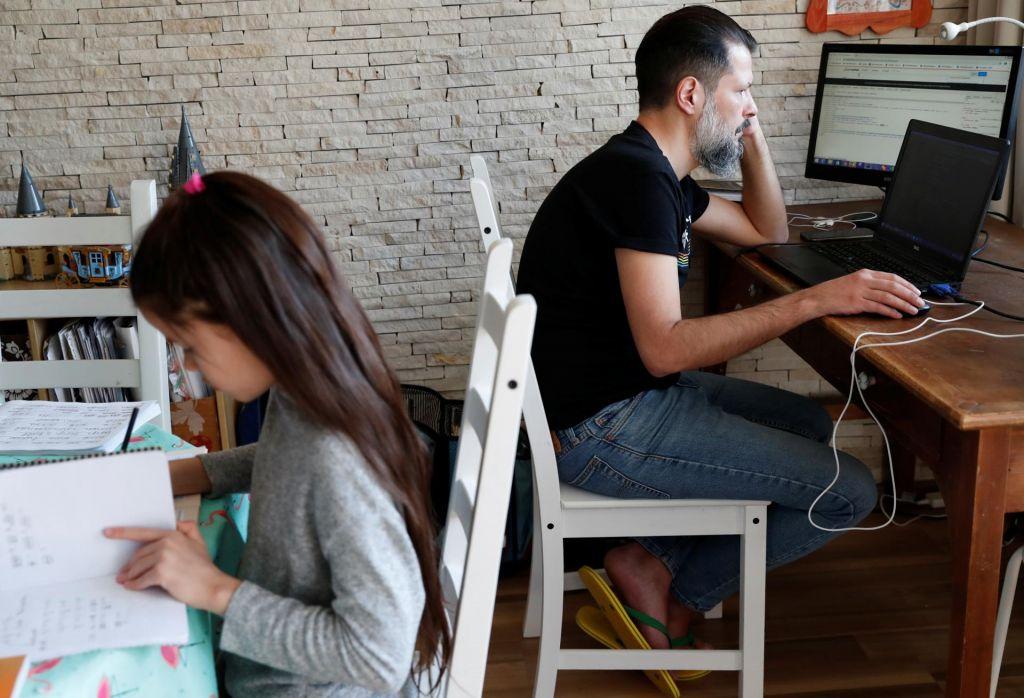 Pripeljati službeno delo domov je izziv, še posebno prvič