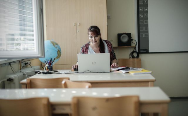Skoraj 44 odstotkov osnovnošolskih učiteljev opravlja delo od doma. FOTO: Uroš Hočevar/Delo