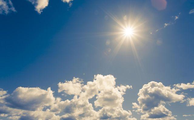 Z današnjim dnem se jasen pogled v nebo za zdaj poslavlja. Začetek pomladi bo hladen in s padavinami. FOTO: Shutterstock