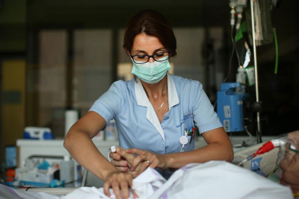 Zdravstvene pravice skrčene: le nujni bolniki in poškodovanci