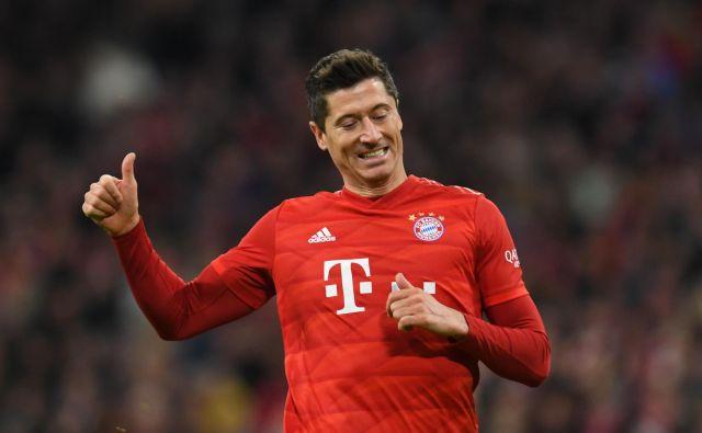 Poljski nogometni as Robert Lewandowski je priljubljen zlasti med privrženci Bayerna. FOTO AFP
