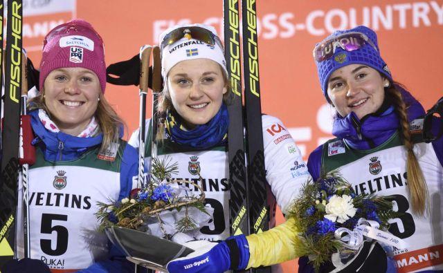 Švedska šampionka Stina Nilsson (na sredini) bo tekaški opremi dodala še puško. FOTO: AFP
