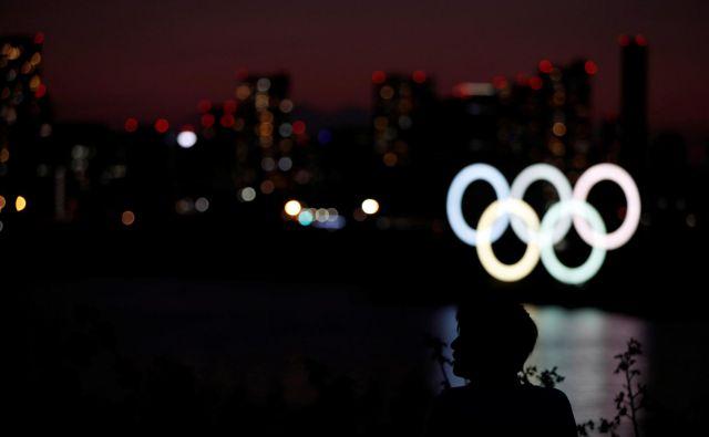 Nad olimpijske igre v Tokiu se spušča mrak. FOTO: Reuters