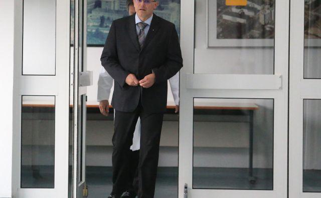 Vse vrednote javnega prostora je Lavre poteptal v trenutku, ko je sam prevzel metode svojih rabljev. FOTO: Tadej Regent