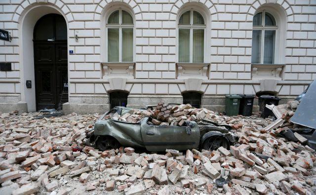 Tla pod Hrvaško prestolnico še vendo drhtijo. FOTO: Antonio Bronič/Reuters