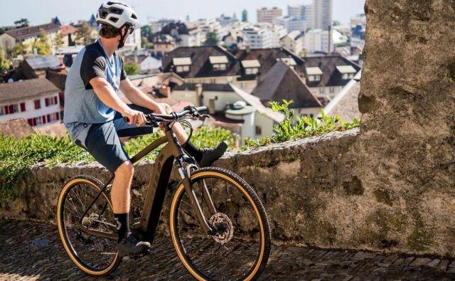 Slovenski trg električnih koles je zaživel na polno in ni več mogoče najti resnega ponudnika kolesarske opreme, ki ne bi imel v programu vsaj nekaj primerkov novega časa. FOTO: Arhiv proizvajalca
