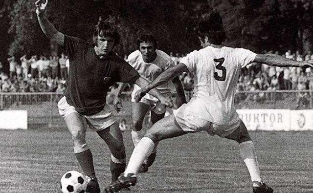 Branko Horjak je pogosto navduševal polne tribune Ljudskega vrta, kjer so nazadnje navijači spremljali prvo jugoslovansko ligo v letu 1972. FOTO: Arhiv NK Maribor