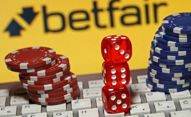 Poleg virusa bodo tudi spletne stave in kockanje odnesle mnogo življenj, saj se za hazarderje mnogokrat stvari ne bodo finančno odvile po načrtu. FOTO: Reuters