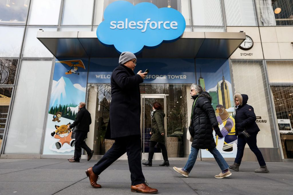 Salesforce načrtuje podvojitev prihodkov do leta 2024