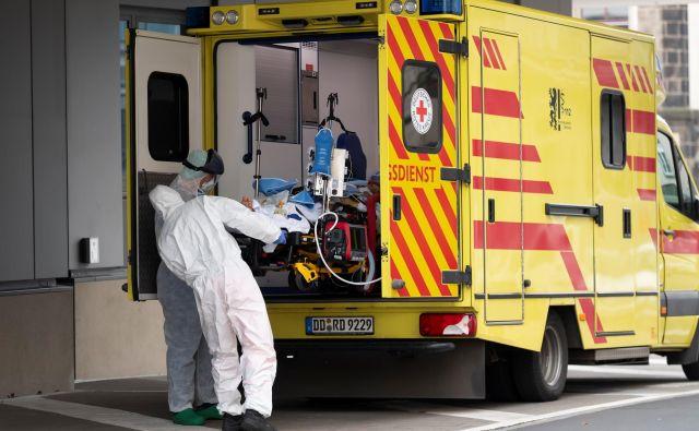 V Sloveniji je umrlo šest oseb, okuženih s sars-cov-2. FOTO: Matthias Rietschel/Reuters