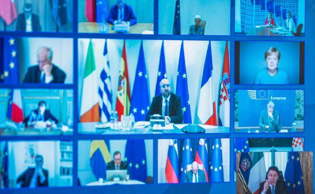 Zaradi koronavirusa je vrh EU moral spet potekati z videokonferenco. FOTO: Palazzo Chigi press office/AFP