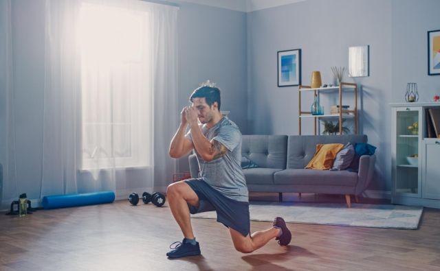 Če ne moremo teči ali kolesariti, lahko doma opravimo vaje za moč. FOTO: Shutterstock