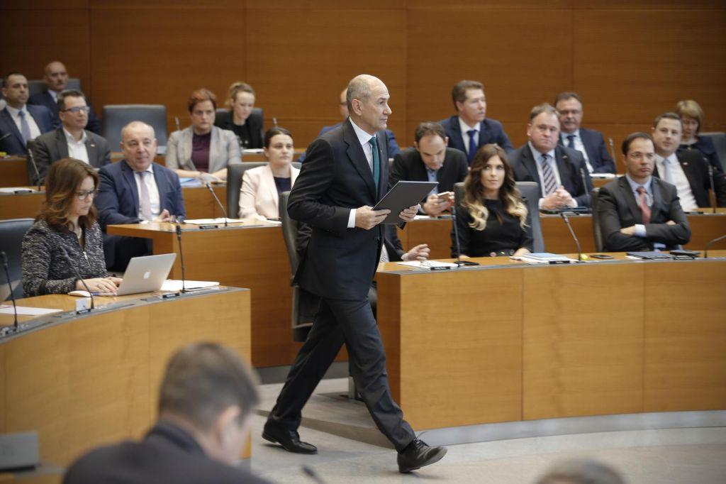 Opozicija na okopih zaradi razreza parlamentarnih odborov