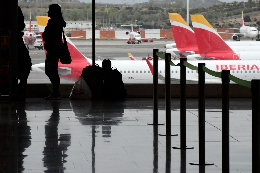 Petdeset potnikov po prihodu iz Madrida v karanteno v velenjski hotel Paka