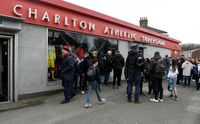 Charlton je svojčas nastopal v premier league. FOTO: Reuters