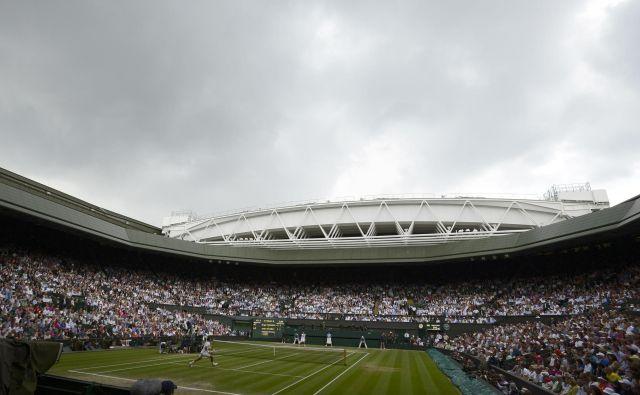 Začetek poletja si je v Londonu težko predstavljati brez slovitega teniškega turnirja. FOTO: Reuters