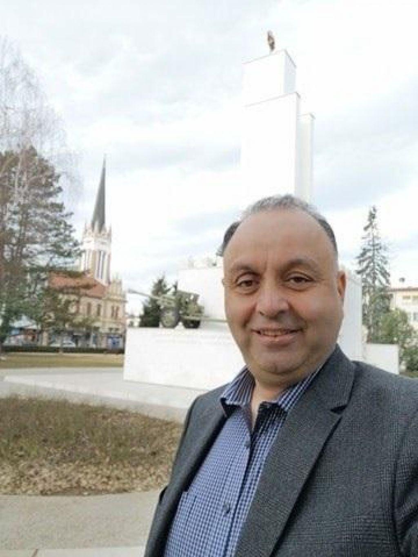 Dubajčan, ki se trudi v Slovenijo dostaviti tono in pol zaščitne opreme
