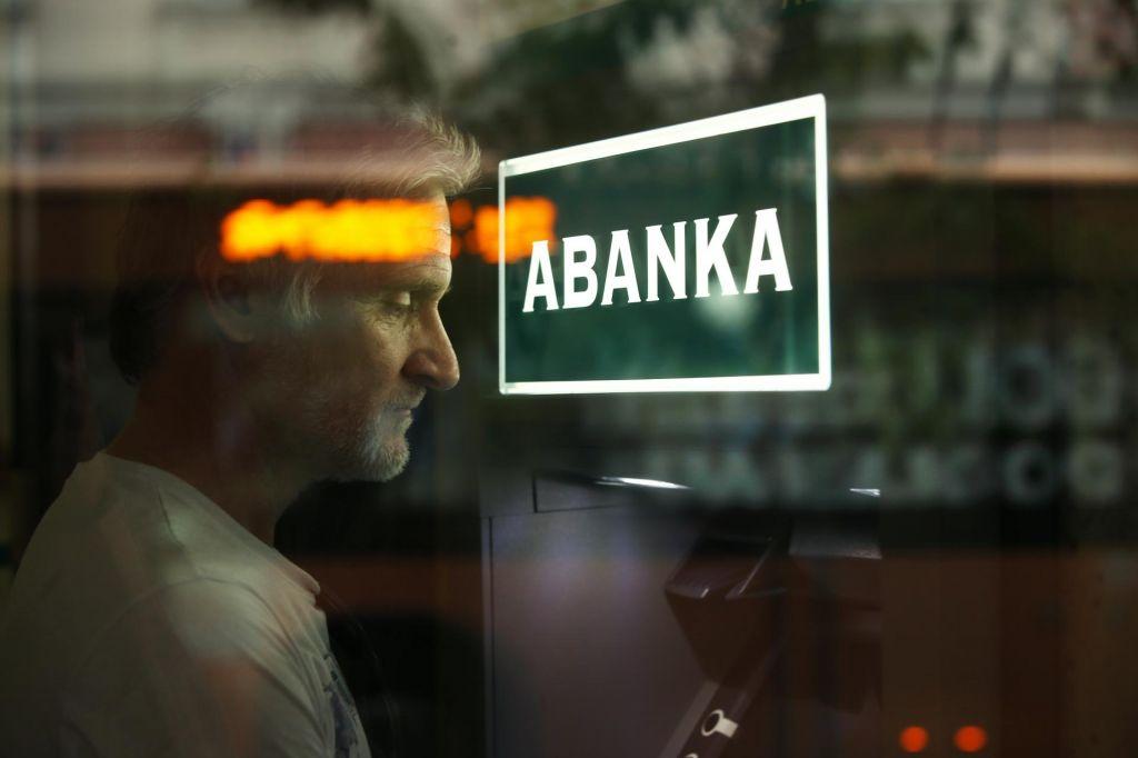 Jeza zaradi zaprte bančne poslovalnice v Podčetrtku