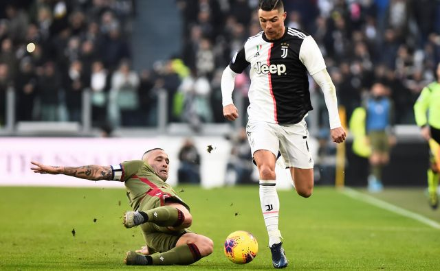 Cristiano Ronaldo je daleč najbolje plačani nogometaš Juventusa. FOTO: Reuters