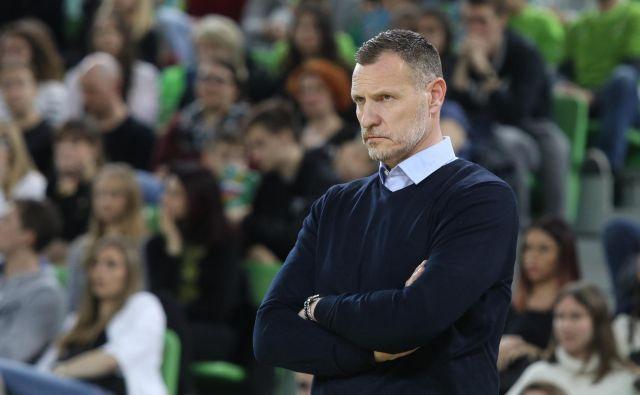 Radoslav Trifunović se v vlogi selektorja Slovenije ni najbolje znašel, zaradi česar je bila na nogah tudi košarkarska javnost. FOTO: Voranc Vogel/Delo