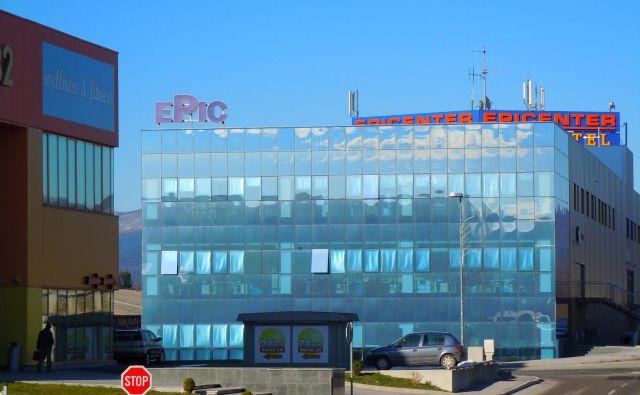 Postojnski župan Igor Marentič je objavil, da je lastnik Hotela Epic na obrobju PostojneJanez Skubic svoj hotel ponudil za karanteno že pred časom, država je ponudbo sprejela. FOTO: Dragica Jaksetič/Delo