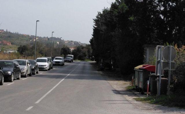 Sodeč po objavi na Facebooku so v avtomobilih oblegali tudi Strunjan. FOTO: Strunjan/Facebook