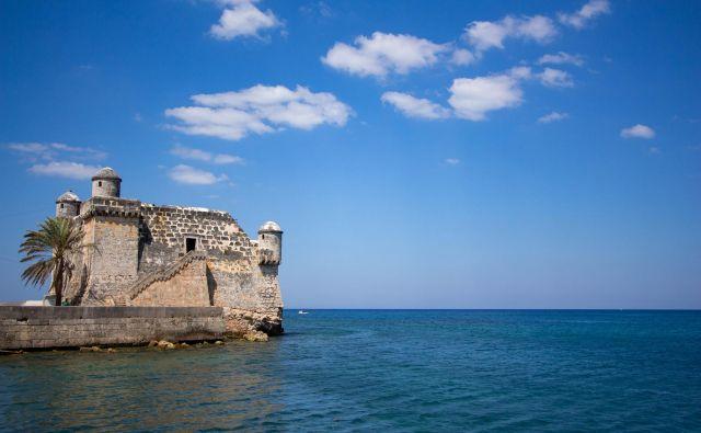 Ribiška vasica Cojímar je prizorišče dogajanja v Hemingwayevem najslavnejšem literarnem delu <em>Starec in morje</em>. FOTO: Peter Litavsky