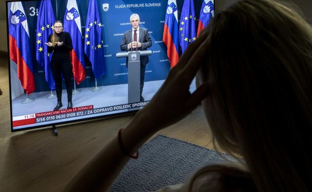 Minister za zdravje Tomaž Gantar je podpisal že več sto odločb o karanteni. FOTO: Voranc Vogel
