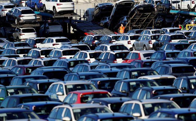 Prodaja avtomobilov naj bi bila letos najbolj prizadeta prav v Evropi. FOTO: Reuters