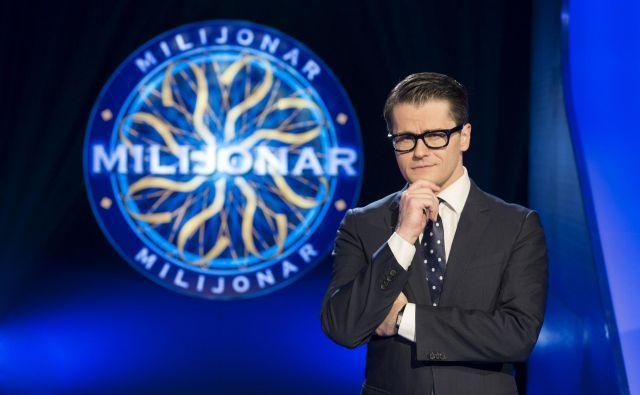 Jure Godler se pri vodenju Milijonarja ne zgleduje po slovenskih voditeljih. FOTO: Bojan Puhek/Planet tv