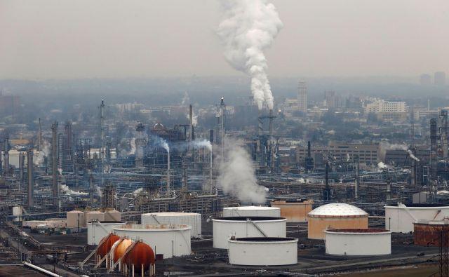 V Združenih državah zmanjkuje prostora za shranjevanje nafte. FOTO: Reuters