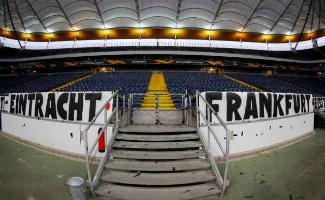 Tudi v Frankfurtu stadion že dolgo sameva. FOTO: Reuters