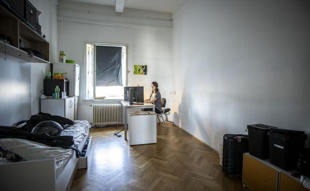Kdo bo plačal študentom najemnine v študentskih domovih ali v najemnih stanovanjih, če so zdaj ostali brez vseh prihodkov? Foto Voranc Vogel