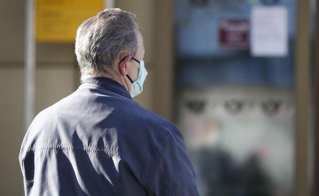 Maske za osebno uporabo je mogoče natisniti s 3D-tiskalnikom. FOTO:Leon Vidic/Delo