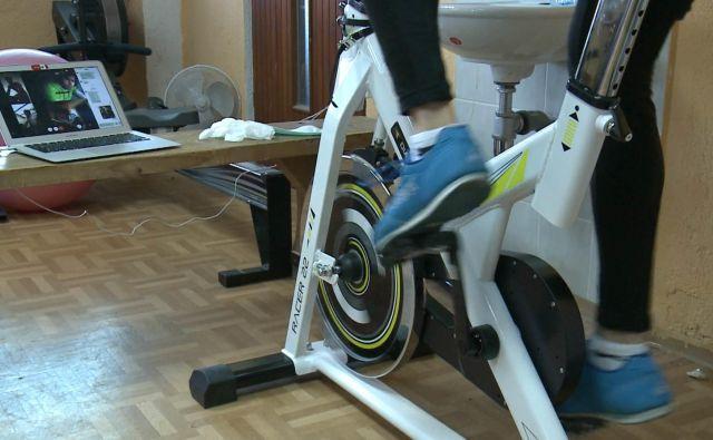 Jadralci s skupnimi treningi pomagajo drug drugemu vzdrževati dnevno rutino. FOTO: posnetek zaslona, JZS