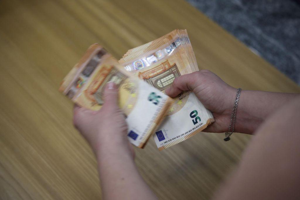 Prvi sveženj izračunov dohodnine že na pošti