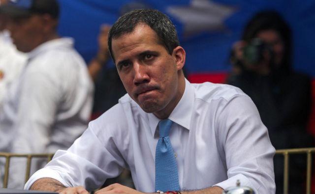 Samooklicani venezuelski predsednik Juan Guaidó bi sprejel ameriški predlog. FOTO: AFP