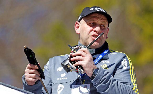 Goran Janus ima v vlogi glavnega trenerja slovenske reprezentance v nordijski kombinaciji polne roke dela. FOTO: Matej Družnik
