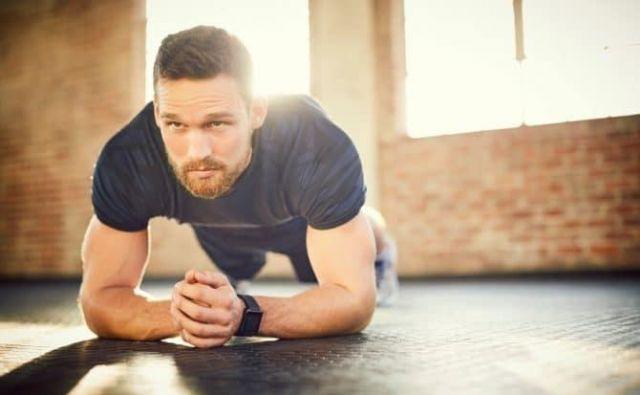 Če ITM preseže vrednost 30, govorimo o debelosti, ki je stanje čezmerne količine telesnega maščevja. FOTO: Shutterstock