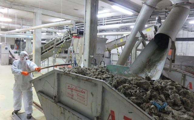 Blato mariborske čistilne naprave bodo skladiščili ob napravi, odvoza ni. FOTO: Aquasystems